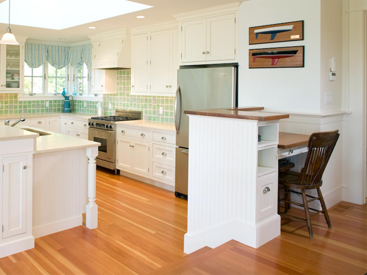 Kitchen-white-beadboard-reading-nook